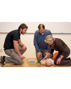 Utbildning i Hjärt-Lung Räddning (HLR) på vuxna och Första hjälpen