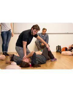 Utbildning i Hjärt-Lung Räddning (HLR) på vuxna